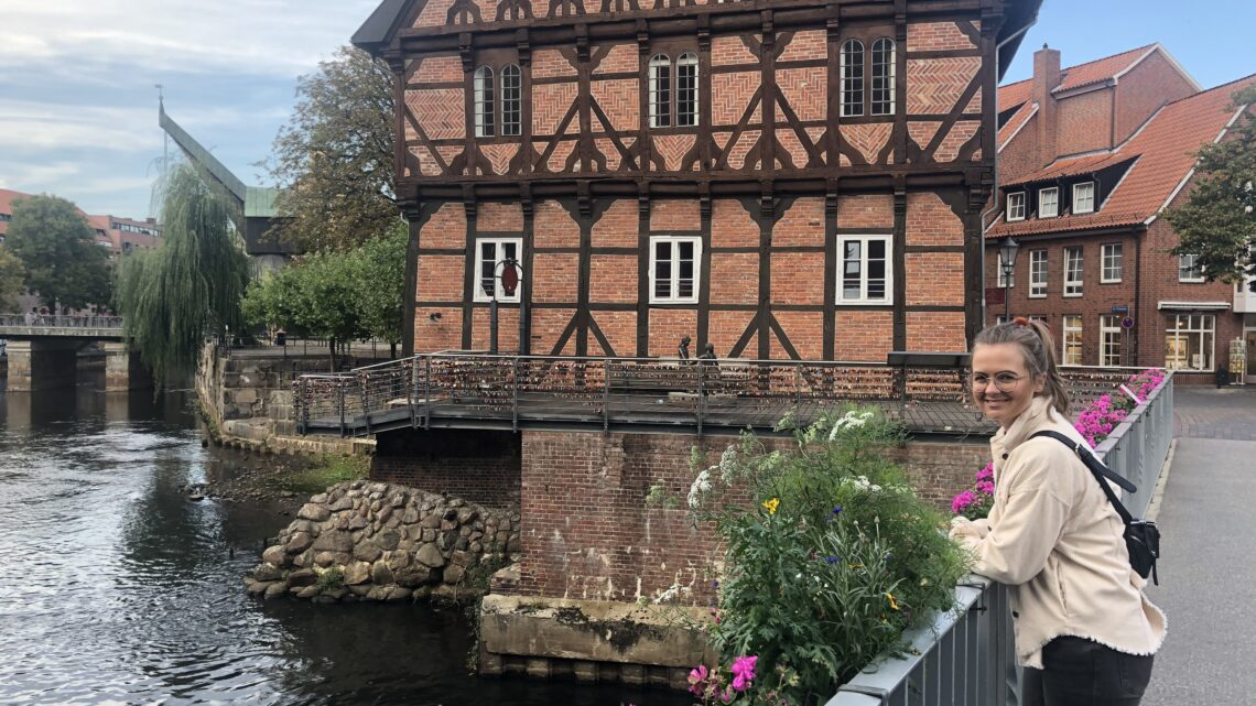 """Gastbeitrag: Alles passiert zum ersten Mal – Wie aus Annas Begeisterung für ihre neue Heimat der Blog """"whatslueneburg"""" entstand"""